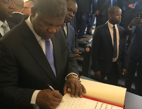 President of Angola signing the Golden Book